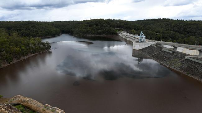Full cost of 'expensive' Warragamba Dam project unclear Image