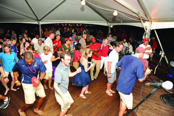 Screwpile racers dance up a storm. © Allen Clark/PhotoBoat.com