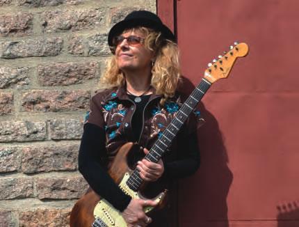 guitarist_debbie_davies.jpg