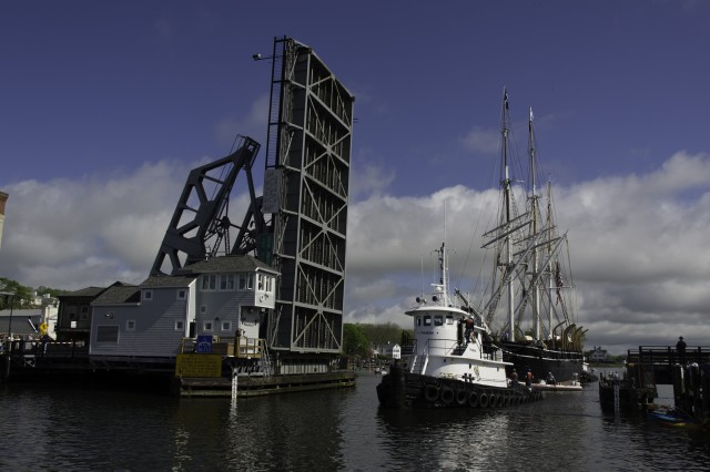 Charles W. Morgan leaves Mystic Seaport