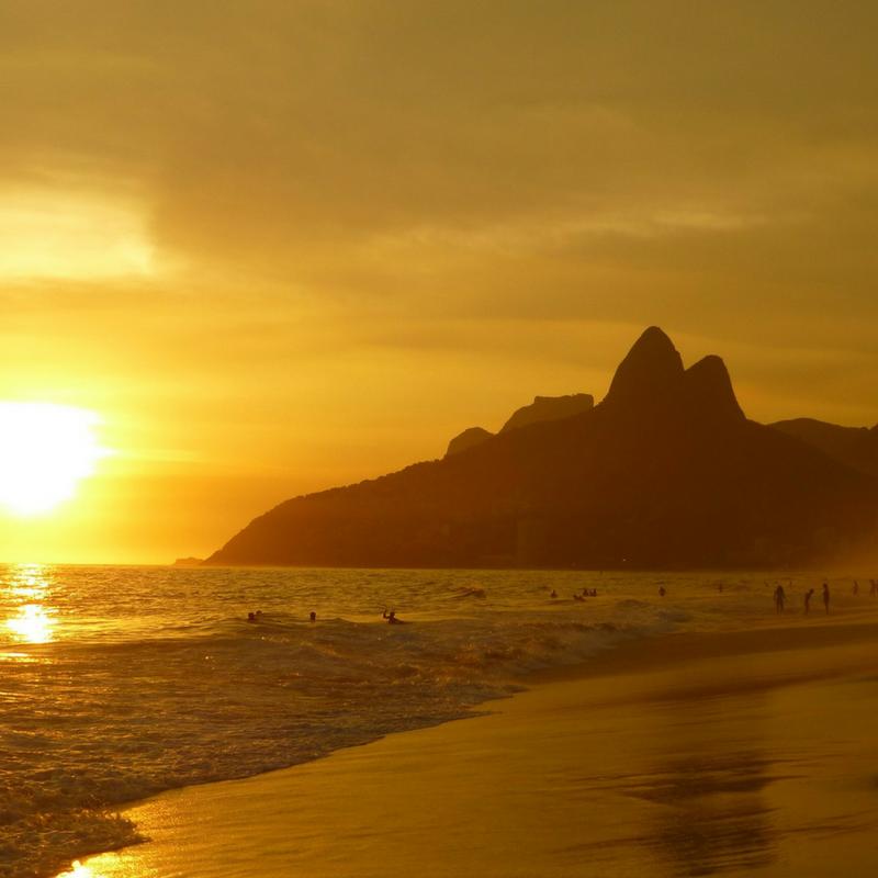 ipanema-beach_womensmarchcanada_socialmedia.png