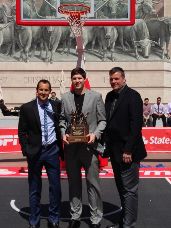 Greg-Wooden-Doug-McDermott-Greg-McDermott-with-Wooden-Award-trophy-in-Dallas.jpg