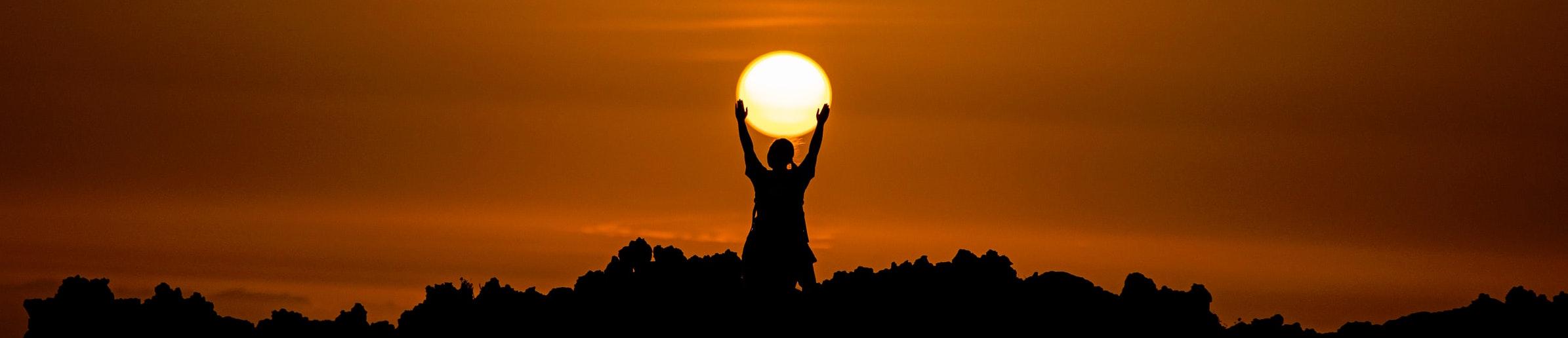 solar sun hands