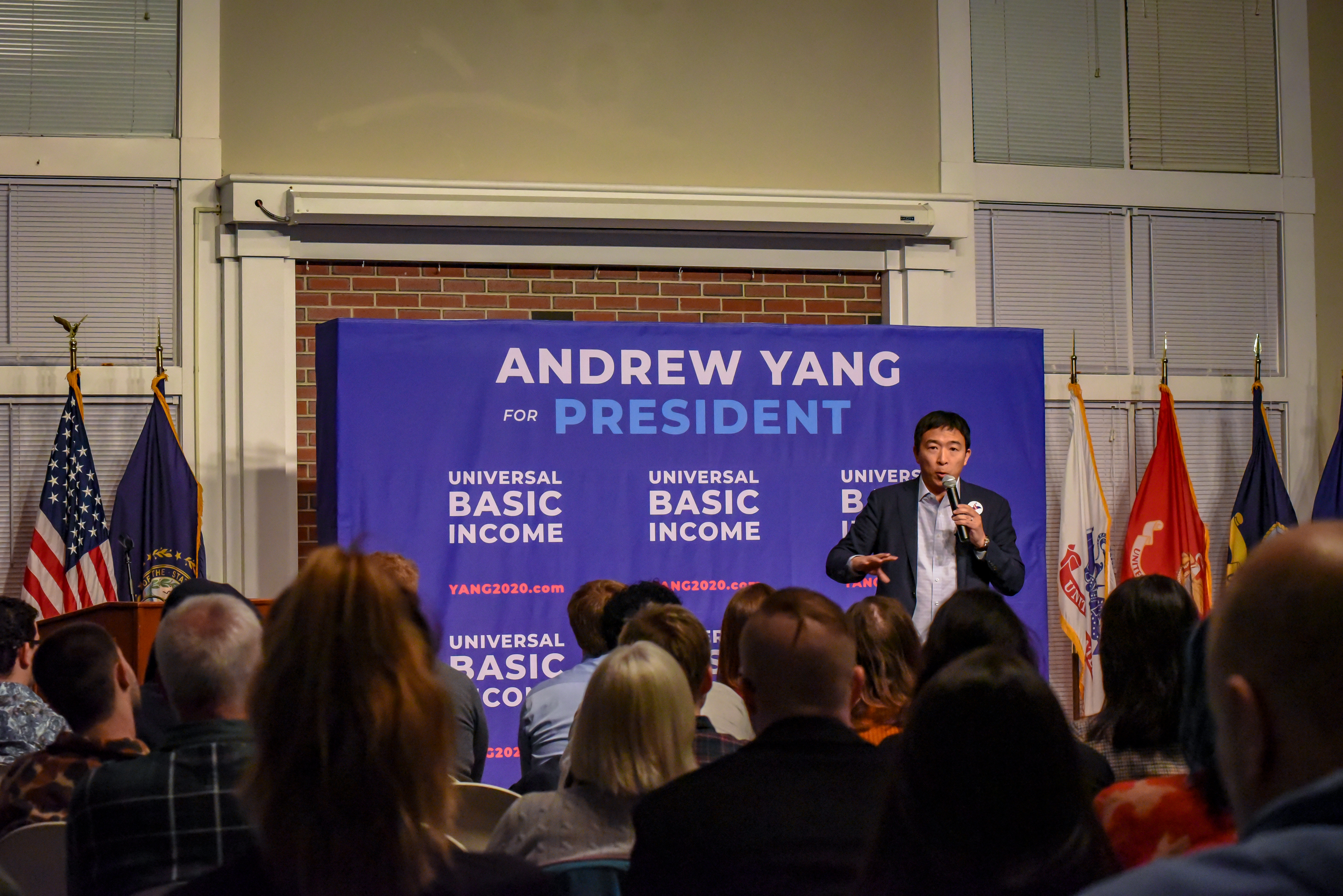 Andrew Yang holds a town hall in New Hampshire