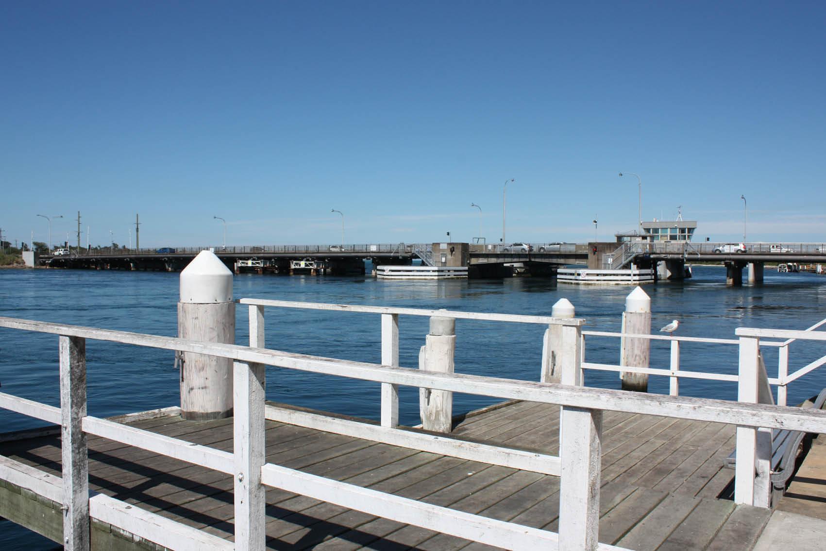 Swansea_Bridge_phot.jpg