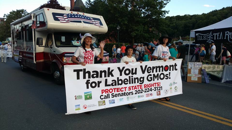 in_vermont_parade_with_banner.jpg