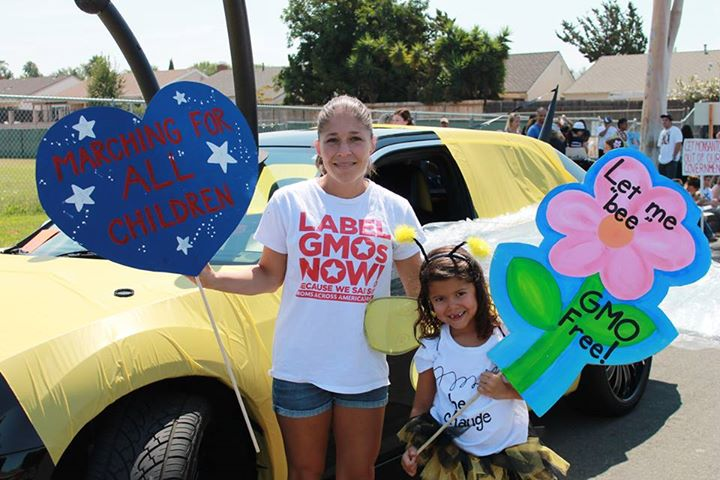 MAAM_Lake_Forest_CA_parade_bee_car_mom_and_flower_girl.jpg