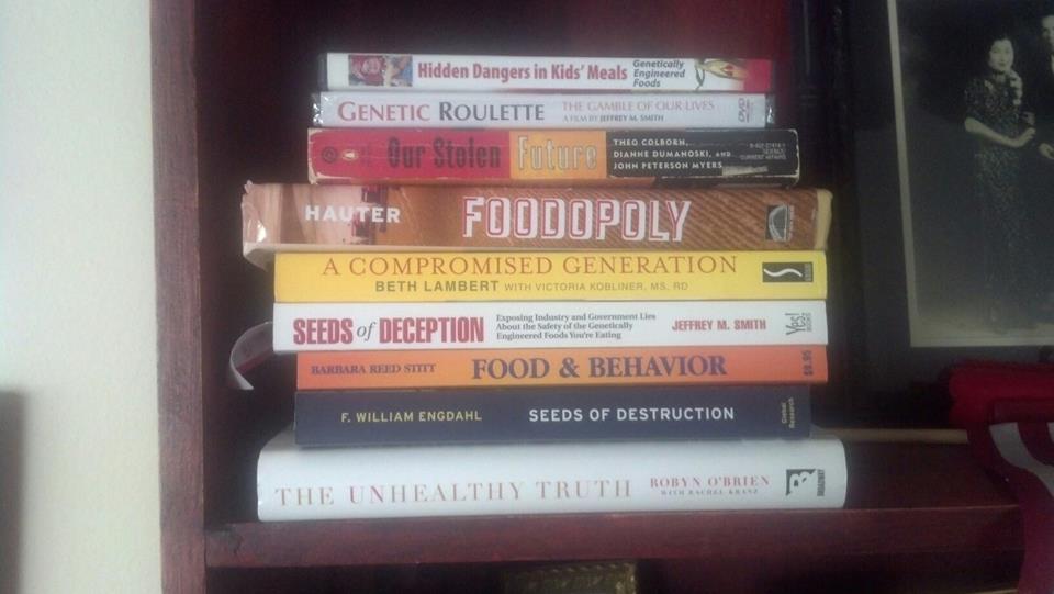 Books_on_gmos.jpg