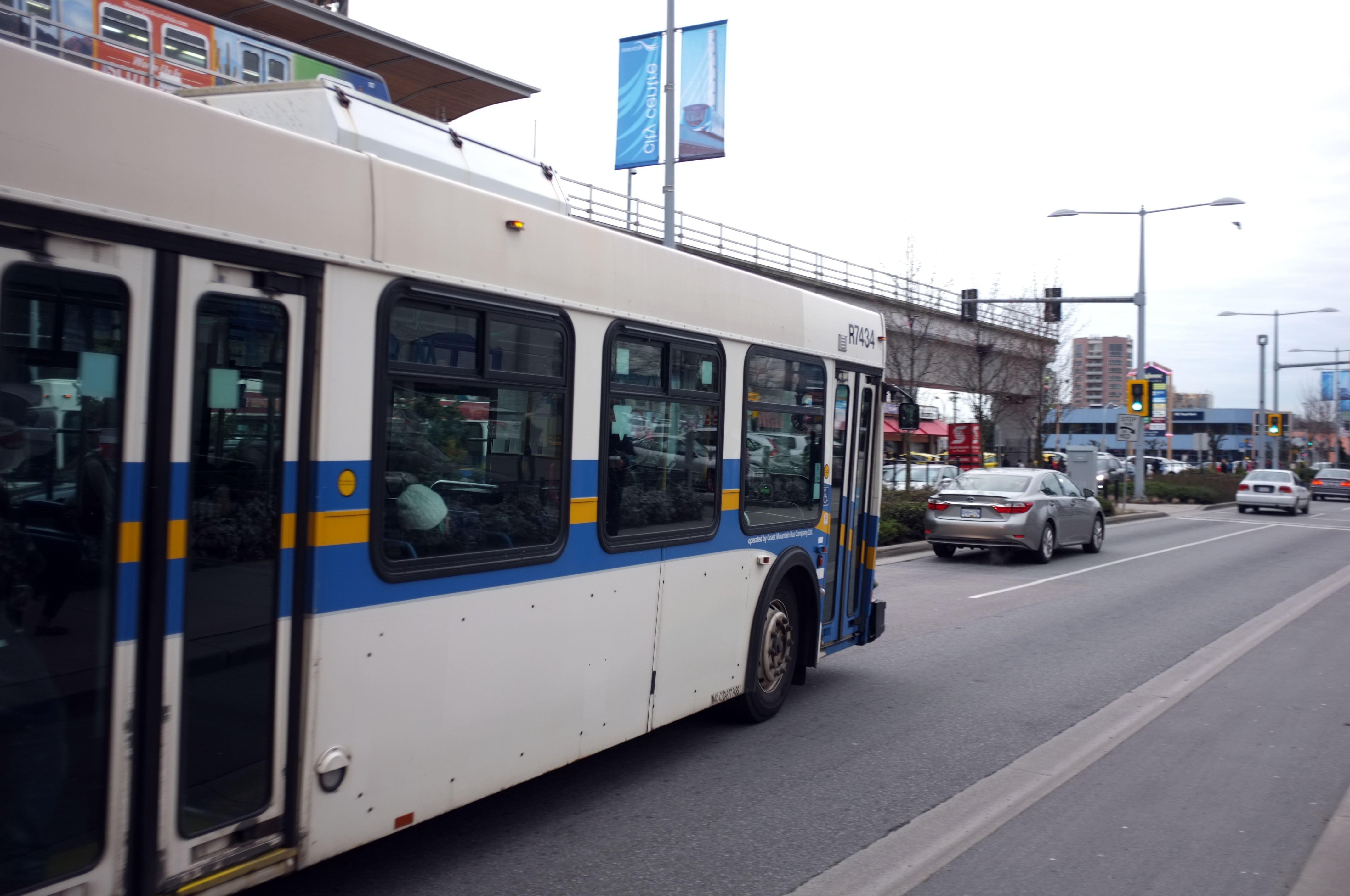 Bus_in_traffic.jpg