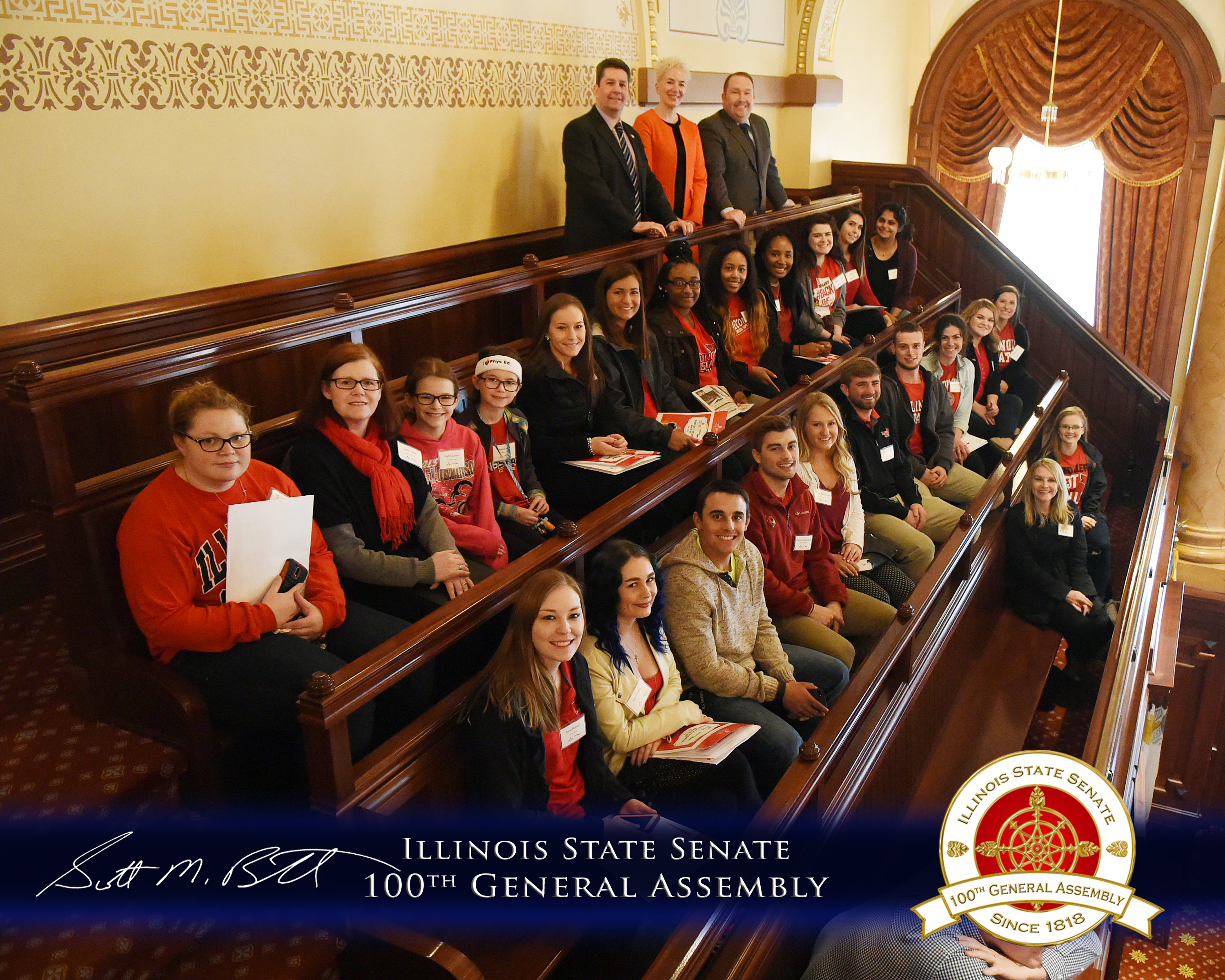 Student_Day_at_the_Capitol_2017_Senate_Gallery_Group_Picture.jpg