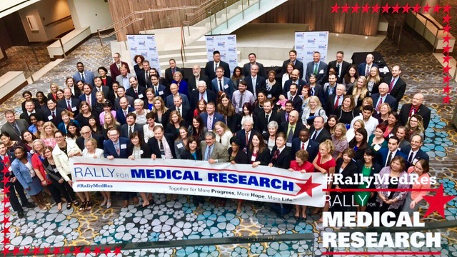 Rally_for_Medical_Research_group_photo_2017.JPG