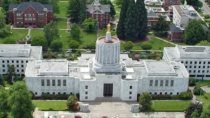 Picture of the Oregon state capitol building