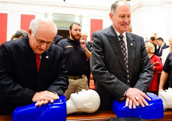 legislators doing CPR