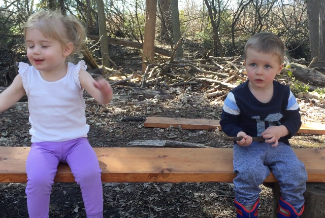 kids_on_bench.png