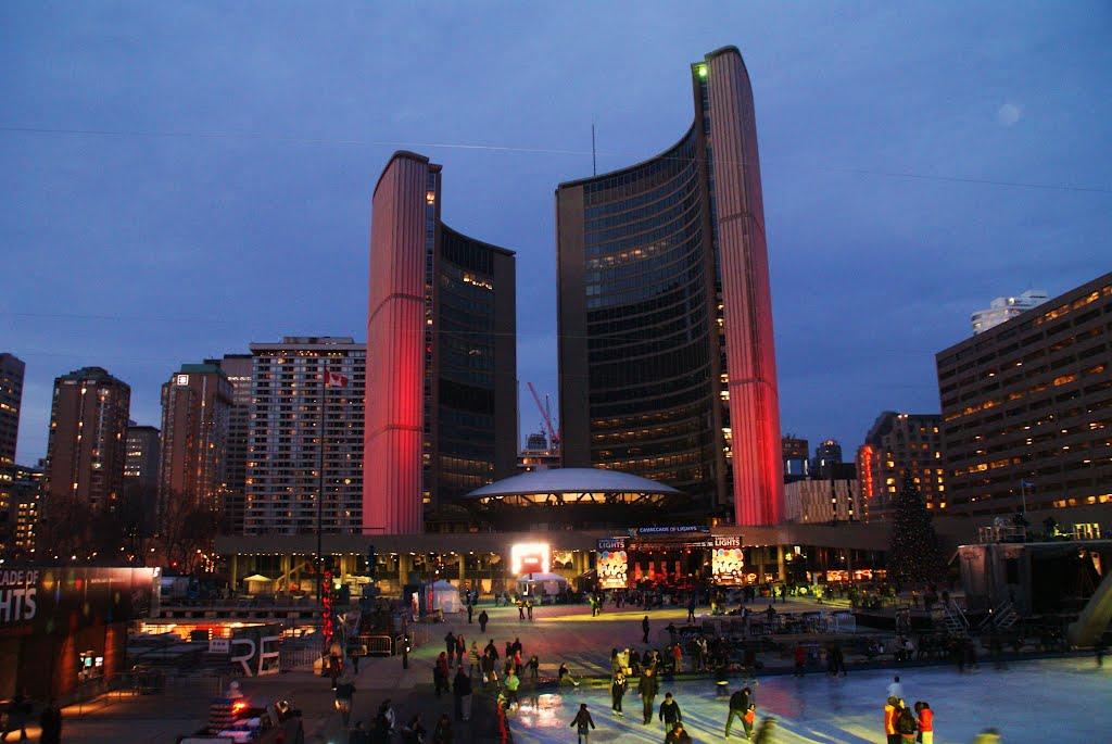 Toronto_City_Hall.jpg