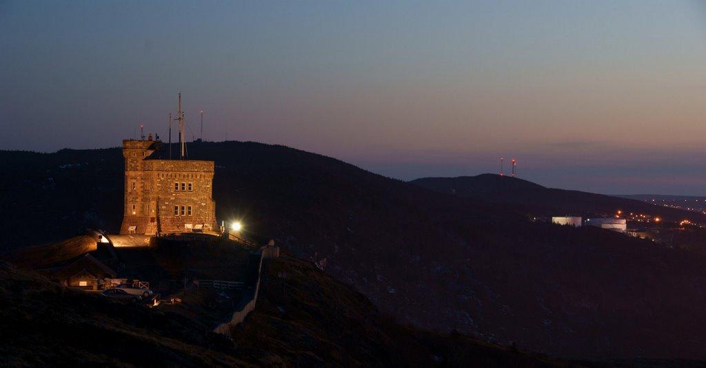 Cabot_Tower_at_night.jpg