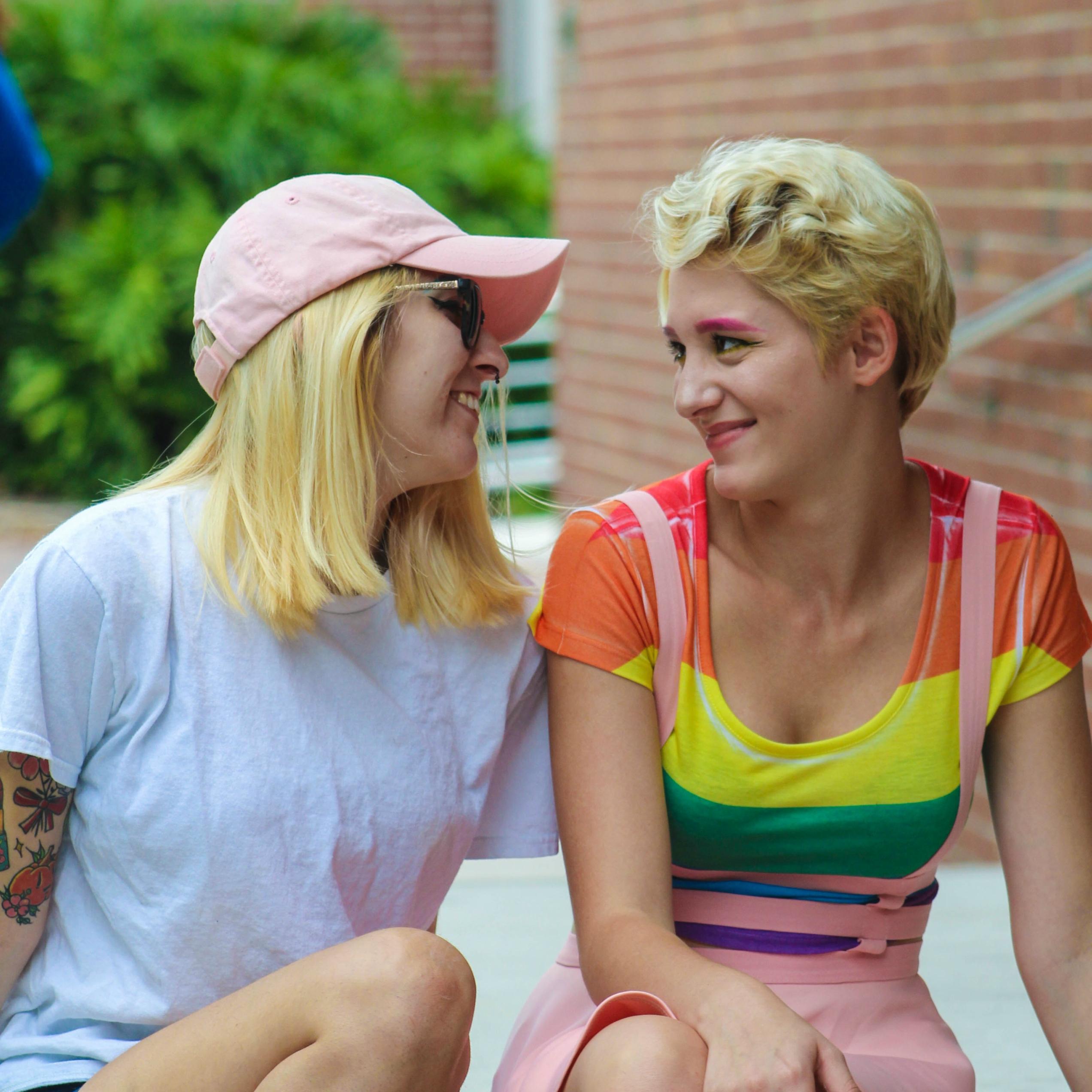 lesbická maminka s přítelem dcery